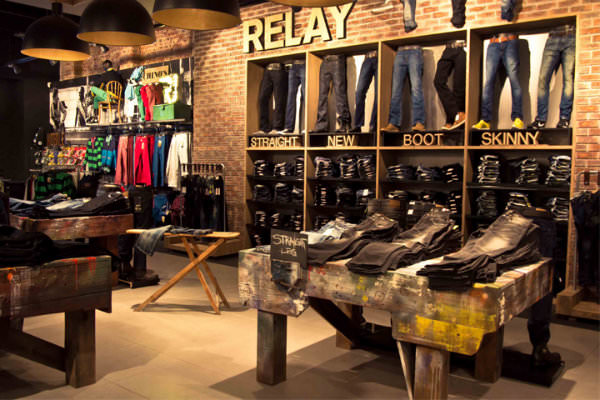 Shoe Stores In Vintage Faire Mall